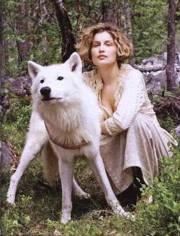 White Wolf : The Maiden and the Wolves: French Movie with Laetitia Casta (Videos)