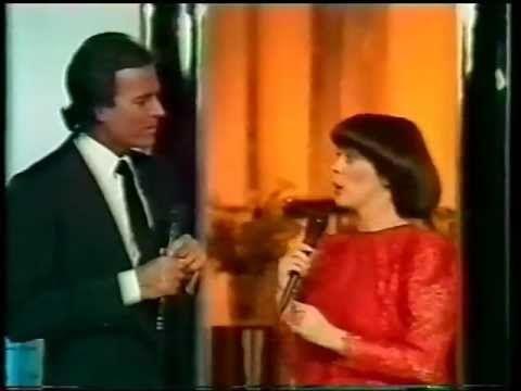 "JULIO IGLESIAS Y MIREILLE MATHIEU ""SOLAMENTE UNA VEZ"" - YouTube"