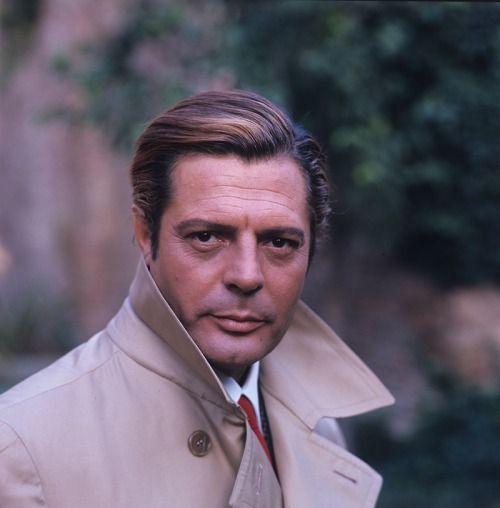 theitaliancut: Marcello Mastroianni.
