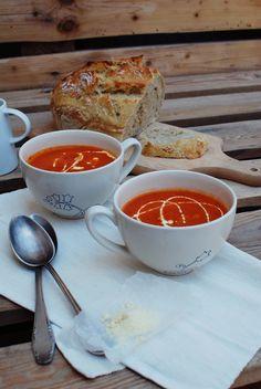 FoodLover: Letní rajčatová polévka s cuketou