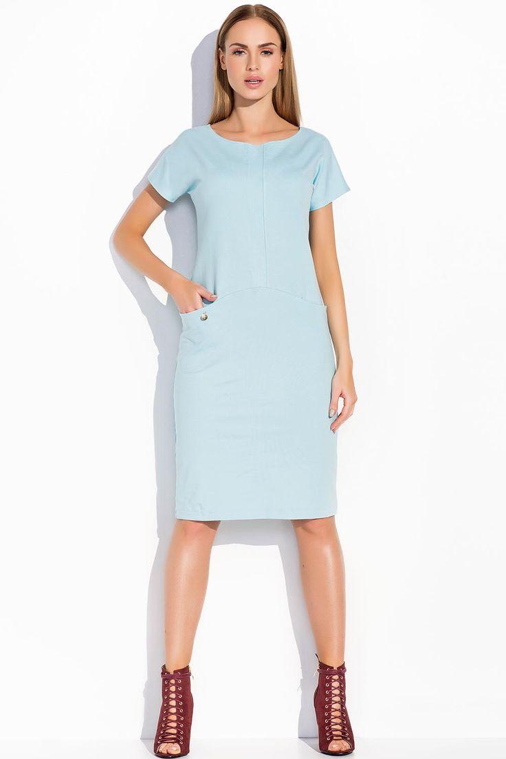 Stylowa sukienka damska o prostym kroju. - dekolt łódka - krótki rękaw - długość midi - po bokach kieszenie - przód zdobi wstawka z innego materiału - sportowy styl - sukienka wykonana jest z materiału dresowego  #modadamska #sukienkikoktajlowe #sukienkiletnie #sukienka #suknia #sukienkiwieczorowe #sukienkinawesele #allettante.pl