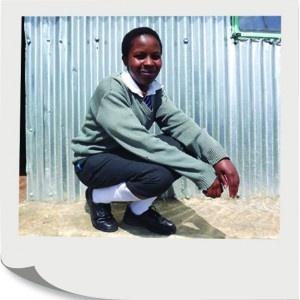 Darujte školskú uniformu dieťaťu z chudobnej rodiny, ktoré by bez nej nemohlo chodiť do školy.  Školská uniforma   26,00 €