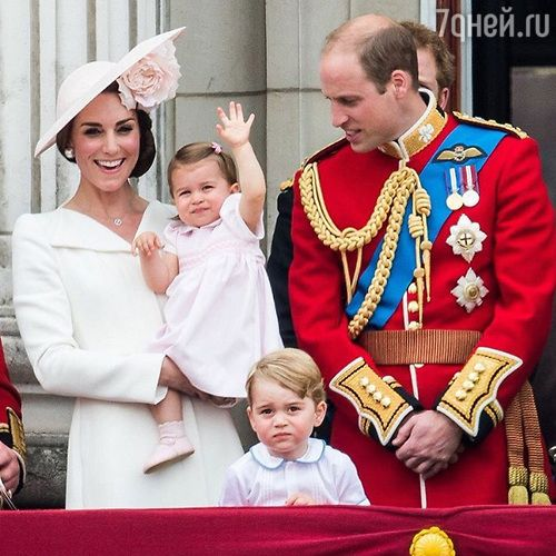 Герцогиня Кембриджская, принц Уильям, принц Джордж и принцесса Шарлотта
