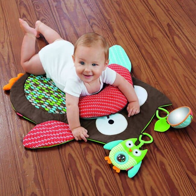 Hug and Hide Owl Mat | MyBabyNeedThis | Make your baby feel the glory of tummy time with this cool owl mat