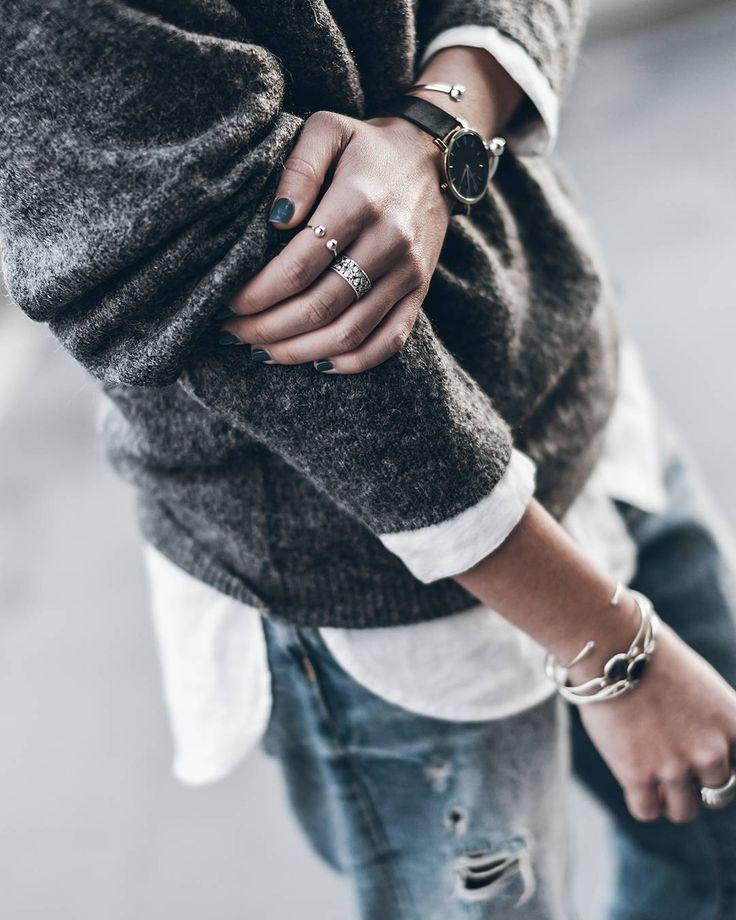 Lovely! Casual classic look. #grey #whiteblouse #boyfriend