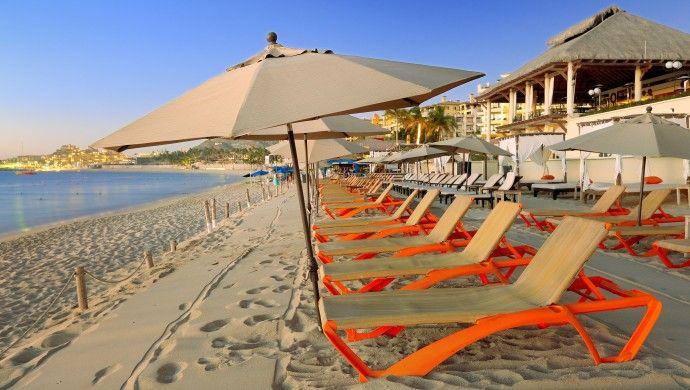 Casa Dorada: On one of Cabos favorite swimming beaches, the 150-room Casa Dorada has a laid-back style.