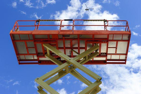 Errores y accidentes con plataformas elevadoras 1/2 - Prevencionar, tu portal sobre prevención de riesgos laborales.