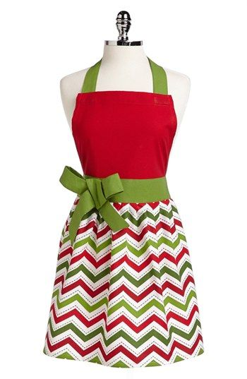 Holiday chevron apron. i'm in love! Another one to add to my sewing list.