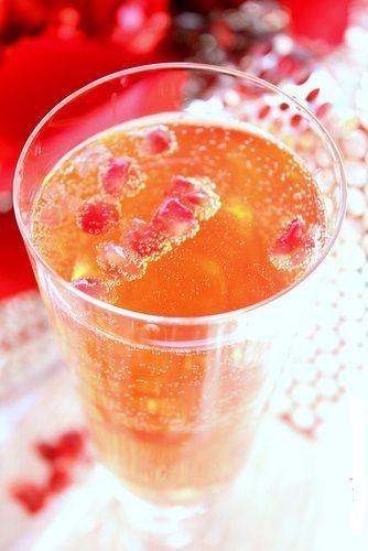 Ricette Capodanno: aperitivo portafortuna con uva e melograno