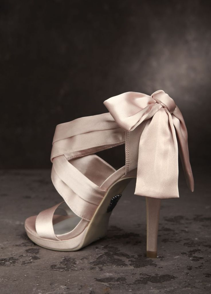Vera Wang White Label Blush Bow Wedding Shoes $60
