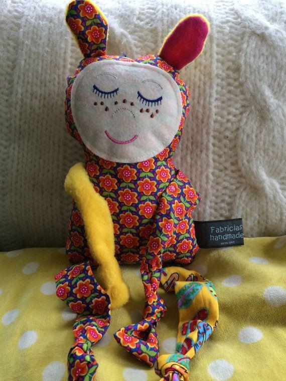 Knuffel van stof fabric doll van Fabricias op Etsy