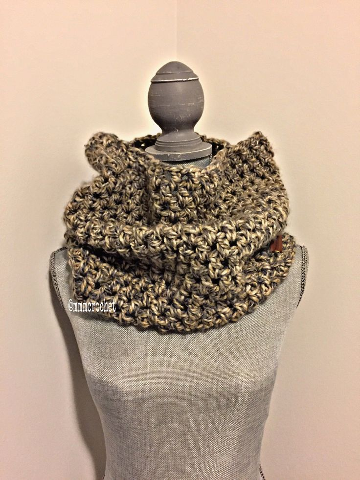 day two.. cowl in gold marble! details on etsy, shop link in bio!