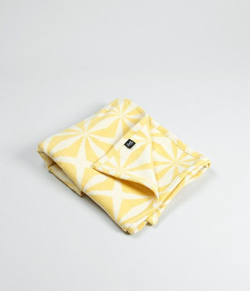 GOTS certified brushed organic cotton blanket. Design by Christine E. Sveen for Sne design.