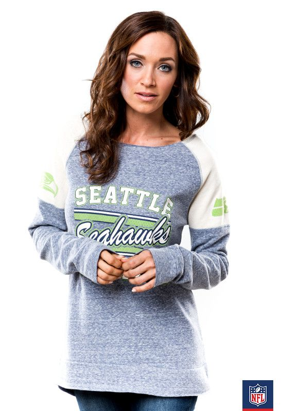 Cozy never looked so chic! Slip into your oversized Seahawks tee and watch the game from home. (via Majestic)