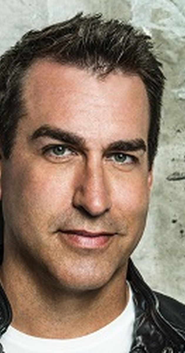 Rob Riggle: The League (TV series)