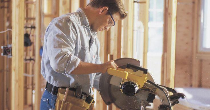 Como escolher serras de esquadria. A serra de esquadria é um item muito importante da coleção de ferramentas elétricas de qualquer marceneiro. A maioria das serras de esquadria são rápidas, poderosas e relativamente fáceis de usar, e são definitivamente as melhores ferramentas para cortes que exigem maior precisão, como por exemplo quando se deve cortar dois pedaços de madeira para ...