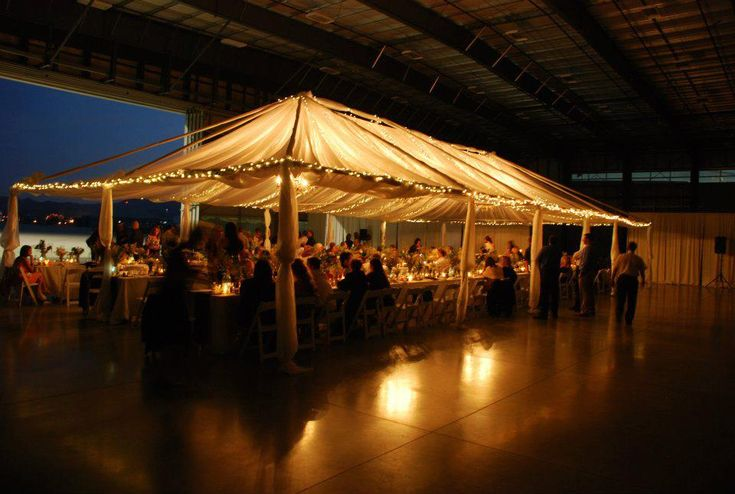 Build a dining area in the hangar aviation wedding