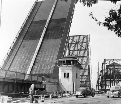 Original Bascule Bridge, Lorain Ohio.  Erie Street Bridge, Lorain, Ohio :: Cleveland Press Collection