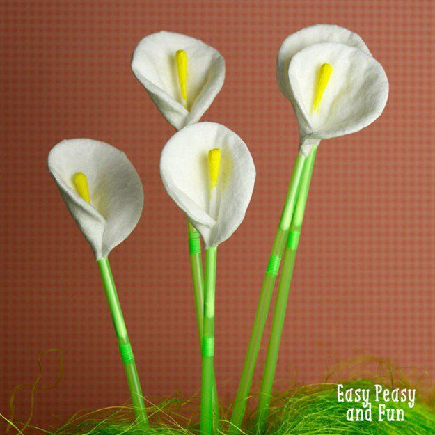 Q-Tip Calla Lily Flowers   22 Unique Q-Tip Crafts   Cheap DIY Crafts For Kids - Enhance The Motor Skills of your Children with these Fun and Cool DIY Projects   http://diyready.com/q-tip-crafts-diy/