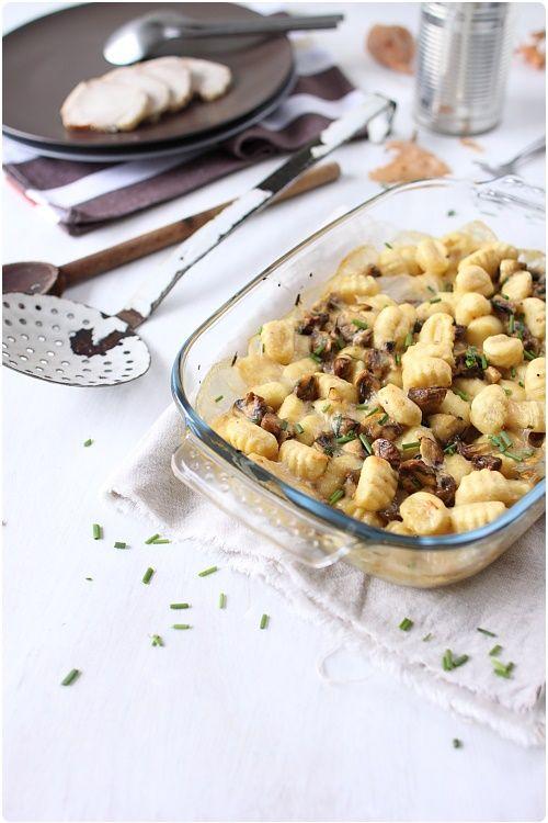 Gnocchi gratinés aux champignons - sauce béchamel (bouillon de boeuf à la place du lait)