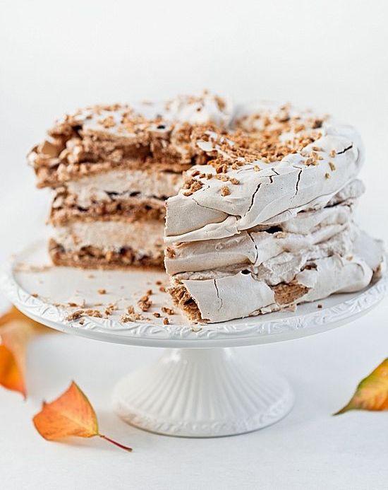 Cinnamon hazelnut meringue cream cake