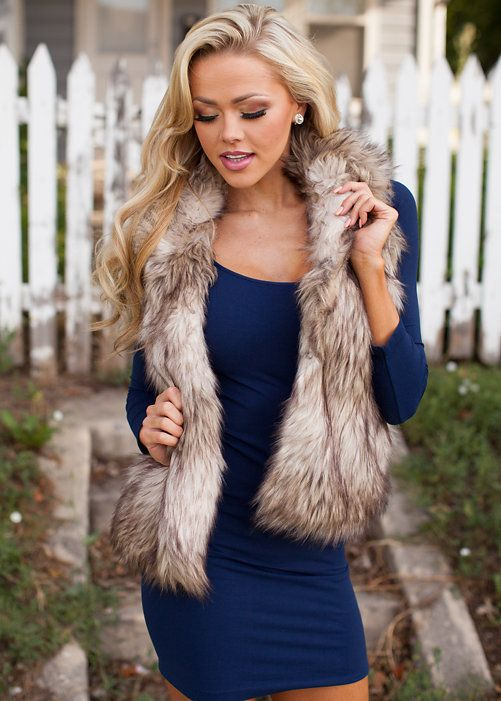 Shop our huge selection of stylish women's clothing, shoes and accessories, including tops, dresses, cardigans, jewelry and layering apparel. Free shipping when you spend $100.