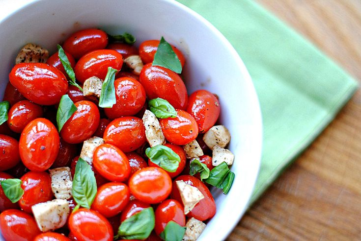 candied balsamic tomatoes and mozzarella salad - Italian clean eating recipes