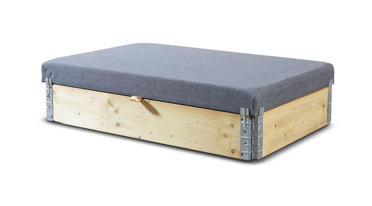 Puf / opbevaringsmøbel. Se mere på www.mystack.dk