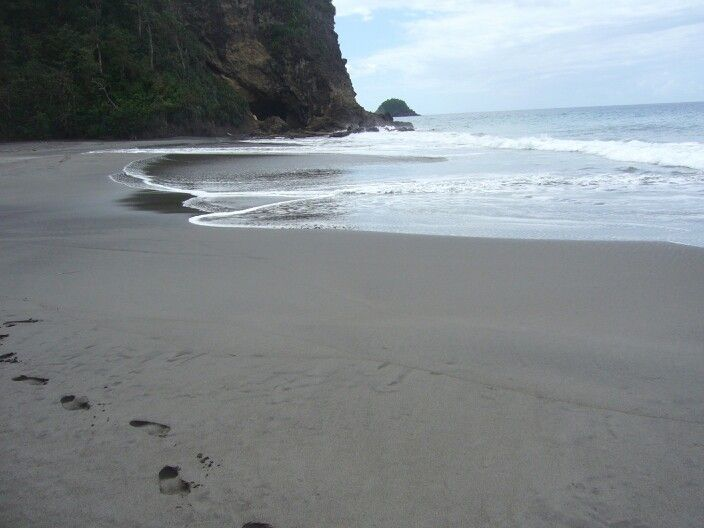 La playa preferida de mi hermana Bea en Martinica. Paz/ My sister Bea favourite beach. Martinique. Peaceful