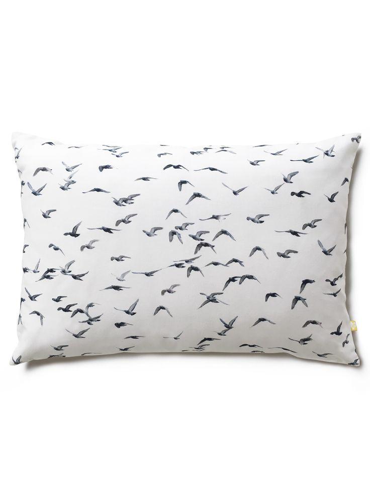 Freedom cushion / lavmi
