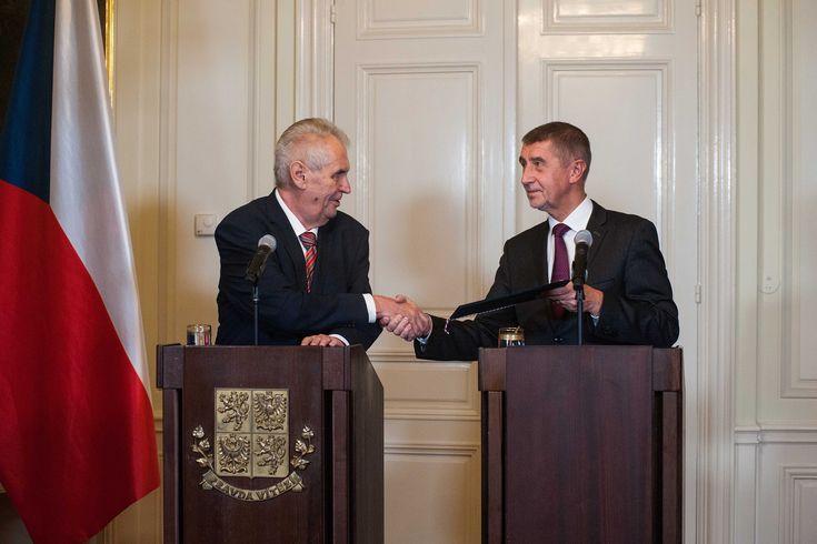 M. Zeman pověřuje A. Babiše sestavením vlády, Lány, 31.10.2017