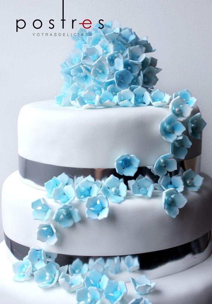 Torta con Hortensias #tortastematicas #mesasdedulces #hortensias #postresyotrasdelicias