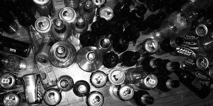 Лечении алкогольной зависимости эффективнее всего при комплексном подходе. Именно такой метод мы применяем в нашем реабилитационном центре.Обращайтесь в клинику, и вы поймете, каким путем идти. Начав с детоксикации, нельзя останавливаться. Реабилитация от алкоголизма куда сложнее. Это долгий и трудоемкий процесс. Во время него происходит не только восстановление физическое. В первую очередь – это работа с психологами. Телефон 8(800)707-11-75 (звонок анонимный).