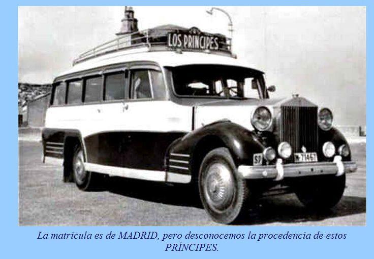 Rolls Royce --Fue de una orquesta de La Coruña, al fondo la torre de Hercules