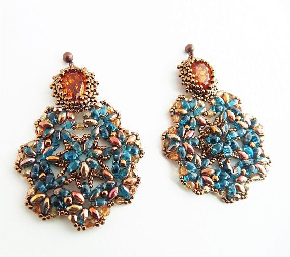 """Baroque Earrings"". Handmade earrings realized with the Peyote weaving technique. These earrings remind the rich Baroque style, a very bright and"