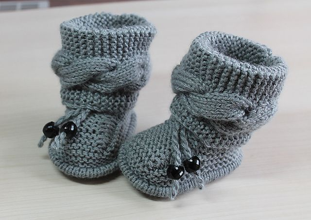 592fc3f3b1f Baby booties cable pattern by Katerina Mushyn | Baby Knits | Baby ...