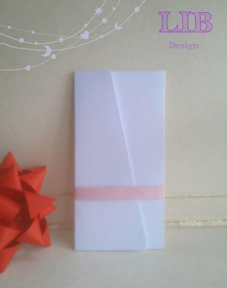 Modelo: Sobre Rectangular Ala Triangular. Orientación: Vertical. ¡Pequeños Detalles hechos por Gente Grande y Divertida! ¡Conoce más de nosotros! Packaging ~ Twitter: LetItBeBox ~ Facebook: LetItBeBox