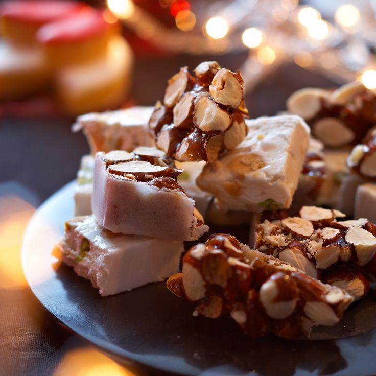 Découvrez la recette Nougat noir de Noël sur cuisineactuelle.fr.