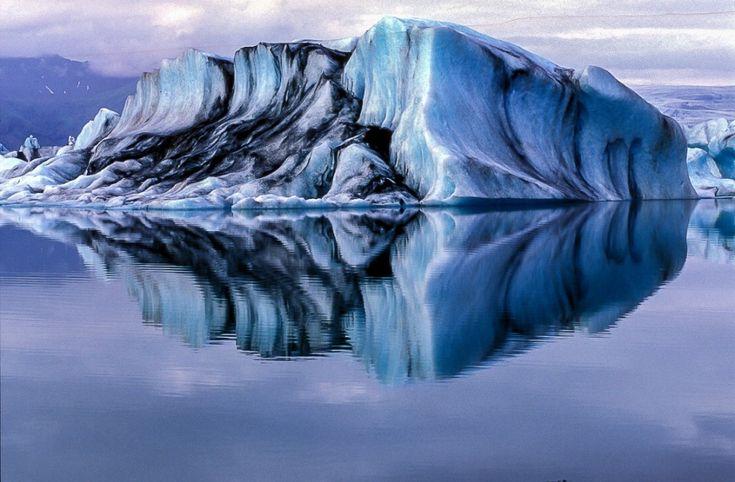 """Si potrebbe definire il senso di Roberto Mainardi per l'acqua, parafrasando il titolo di un libro di Hoegg ( Il senso di Smilla per la neve).  Spiega il fotografo parmigiano: """"Sono sempre stato affascinato dal mare e dalle innumerevoli forme che l'acqua assume nel suo percorso vitale. Qua"""