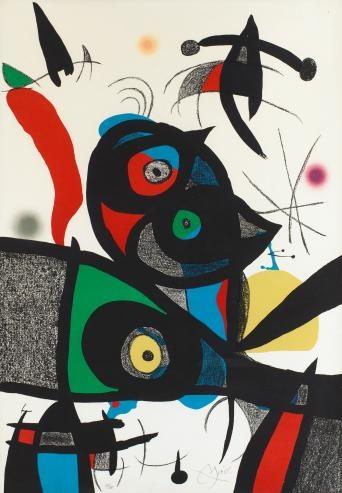 Des peintures modernes accrocherais partout dans l'appartement, particulièrement des oeuvres de Joan Miro.