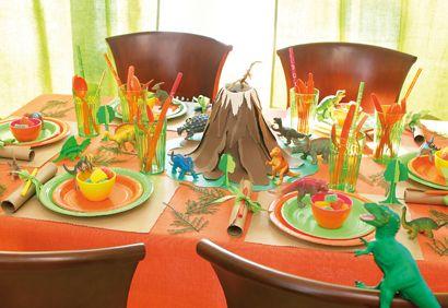 Bricolage, volcan, enfant, éducation, activité. http://www.coupdepouce.com/mamans/loisirs-et-jeux/jeux-et-jouet-enfant/on-fabrique-un-volcan-en-eruption/a/38815