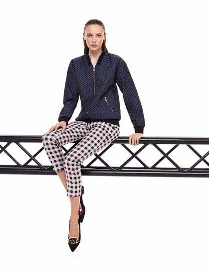 Pinko, collezione primavera estate 2014, bomber e pantaloni stampati.