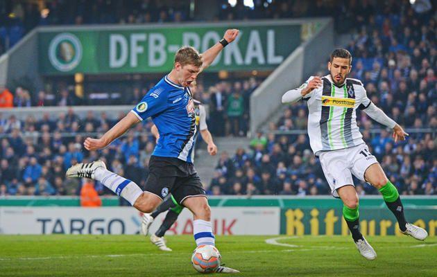 Vor dem Pokal-Duell mit seinem Ex-Klub Wolfsburg: Die Vertragsverlängerung von Arminias Torjäger und Kapitän steht aus +++  Fabian Klos: »Wir werden einen Plan haben«