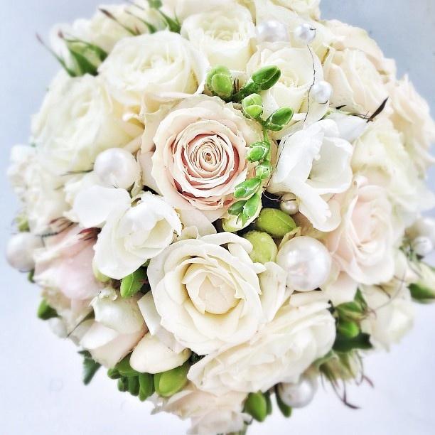 Для Нелли в ее двойной праздник! Happy wedding day! #ТатьянинДень by Tatianin Den, via Flickr