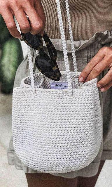 Idéias de bolsas de crochê em 2020 (com imagens) | Bolsas de crochê, Padrões de mala, Sacolas de tricô