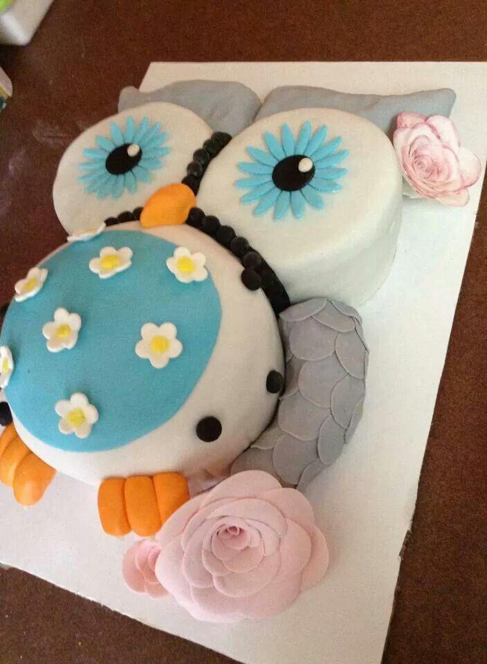 Owl baby bump cake