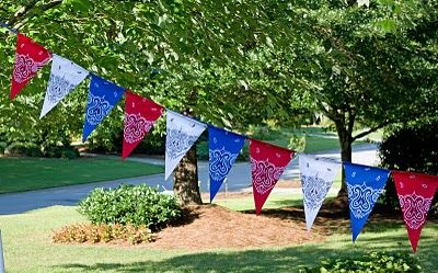 Easy Fourth of July decorating ideas using the all American bandana.