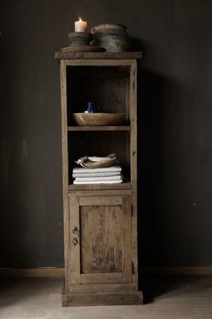 Kastje gemaakt van oud hout