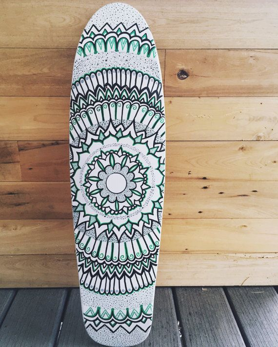 Peint la main mandala skateboard par lavaboards sur etsy kitesurfboard skate dessin et projet - Dessin skateboard ...