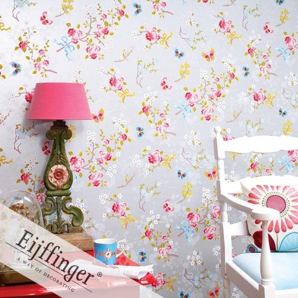Dit is uiteindelijk Emma haar behangpapier geworden. Natuurlijk in combinatie met roze muren. ;-)